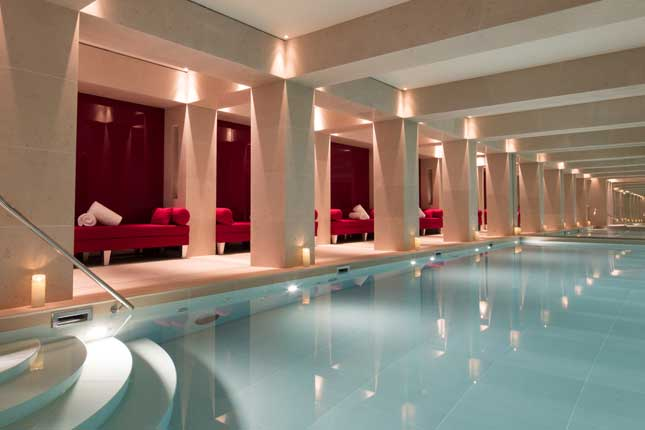 La-Reserve-Paris-Swimming-pool-N1