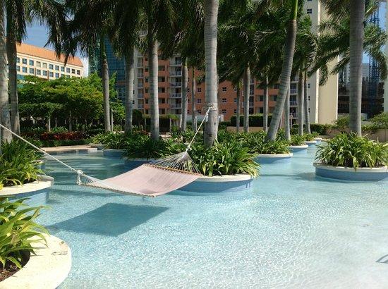 four-seasons-hotel-miami