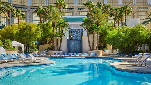 four-seasons-pool-las-vegas