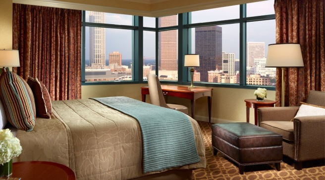 omni-hotel-cnn-center-guest-room-1